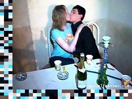 harkov-nomer-poka-bila-pyanaya-viebali-v-zhopu-seks-russkih